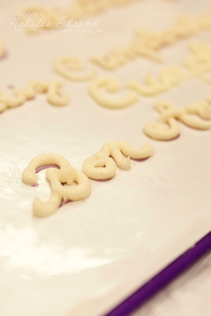 At tonight's class (the last one), we worked on piping letters, both printed and script.