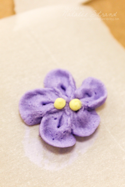 Wilton Course 2, week 3: royal icing violet