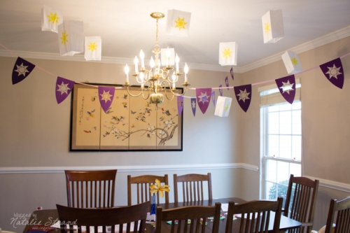 there were pennant banners and lanterns in the dining room, too!